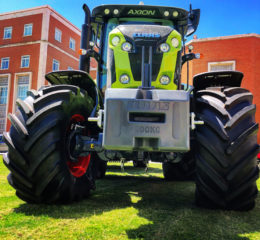 Tractor Claas Axion 870 C-Matic