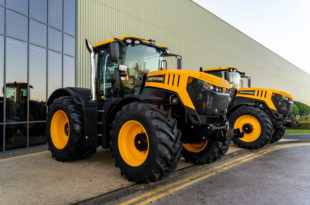JCB WFT Fastrac Special Edition 8330