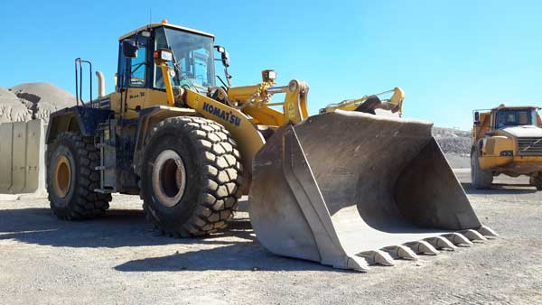 Tracción, resistencia y confort, principales características de los neumáticos BKT para palas cargadoras