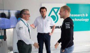 Valtteri Bottas visita el Centro de Investigación y Tecnología de Petronas en Italia