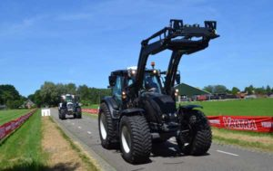 Valtra presenta el apoyabrazos SmartTouch y la cuarta generación de tractores