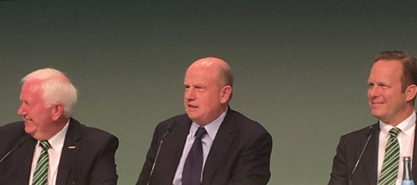 Martin Richenhagen, galardonado con la Cruz Federal de Primera Clase