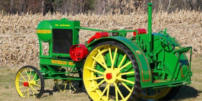 John Deere conmemora un siglo fabricando tractores