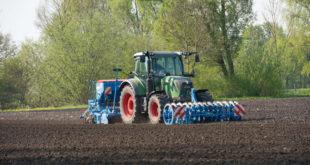 mercado tractores Alemania marzo