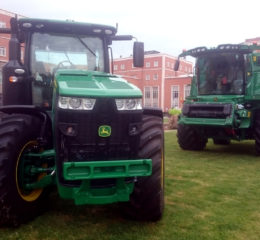 Tractor John Deere 8320R