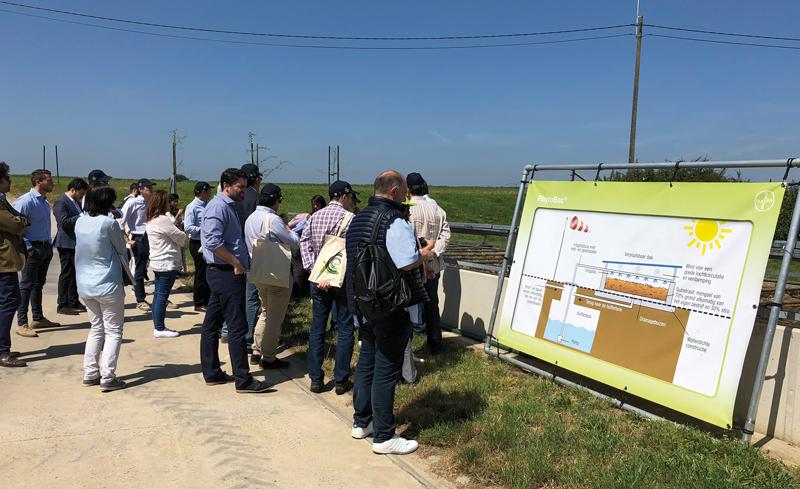 Bayer celebró una mesa redonda para abordar temas como 'la agricultura económica y medioambientalmente sostenible