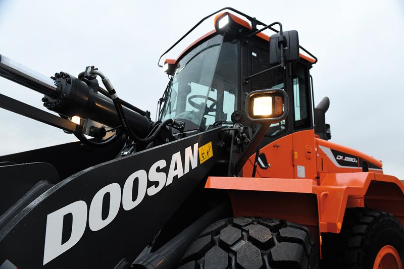 Doosan DL280
