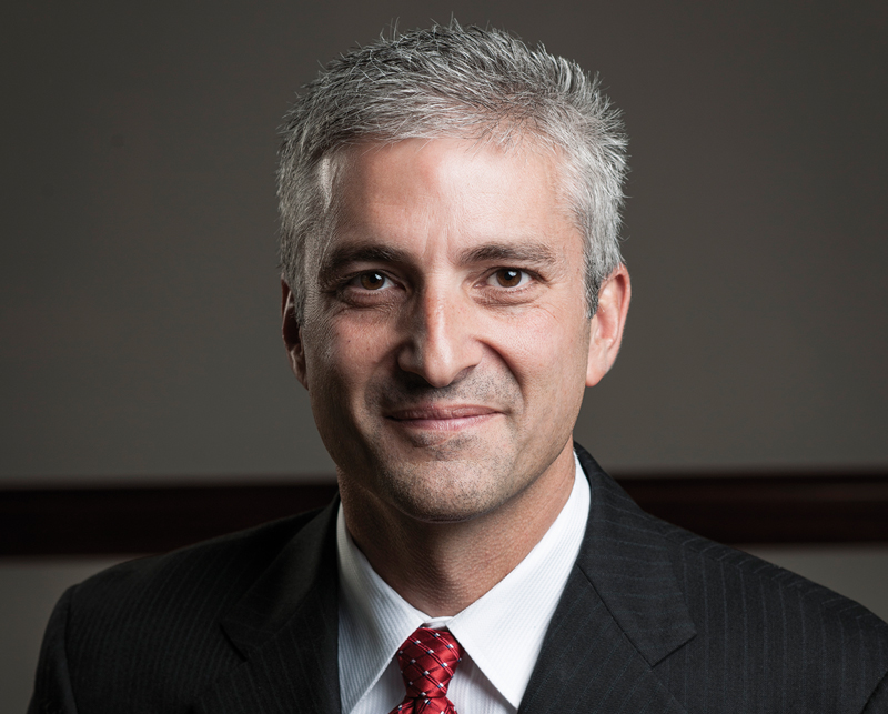 Eric Hansotia, Director de Operaciones de AGCO