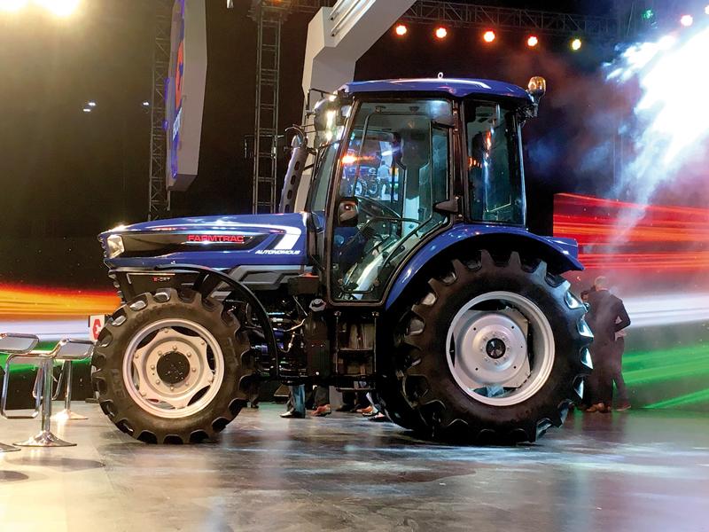 BKT equipa a Escorts Automated Concept Tractor