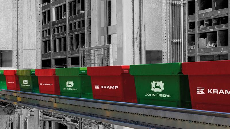 Boxes Kramp y John Deere