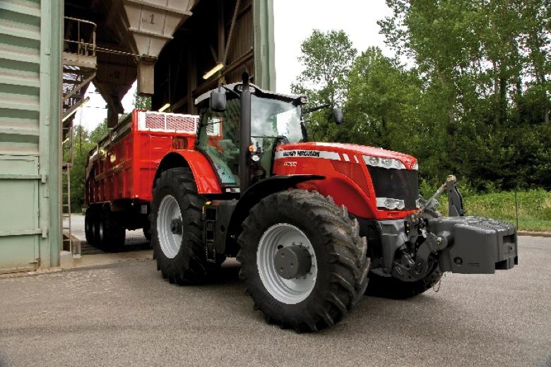 Moderno tractor MF modelo 8190