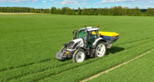 Valtra N154 eV fertilizer