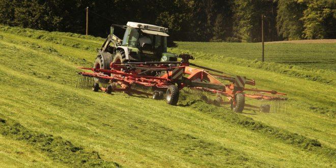 Unión de Uniones de Agricultores y Ganaderos considera insuficiente la prórroga de la ITV