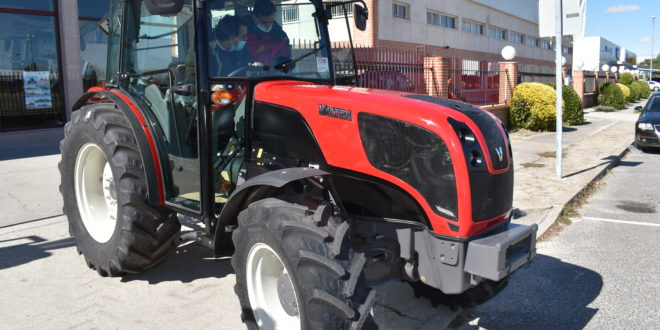 "Valtra F 105 S Finalista ""Best Specialized"" Tractor of The Year 2021"